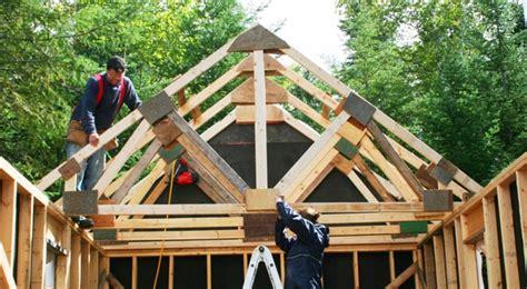 comment construire ferme de toit cabanon