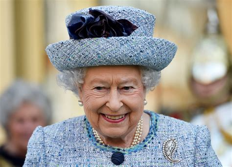 queen elizabeth ii queen s death plans have been in place since 1960s