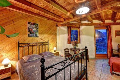 table et chambres d h 244 tes brin de paille maison en paille