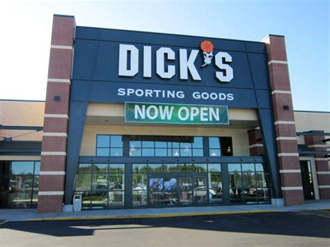 s sporting goods store in duluth mn 1017