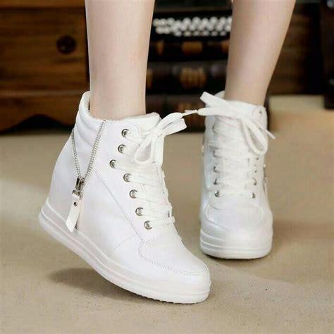 Sepatu Wanita Sepatu Boots Rantai Putih jual jual sepatu boots sleting putih hd01 sepatu kets wanita bahan nyaman di lapak baim