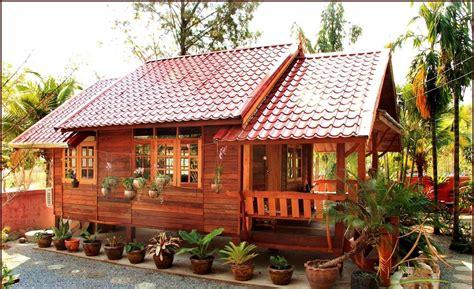 bentuk rumah bambu kecil minimalis
