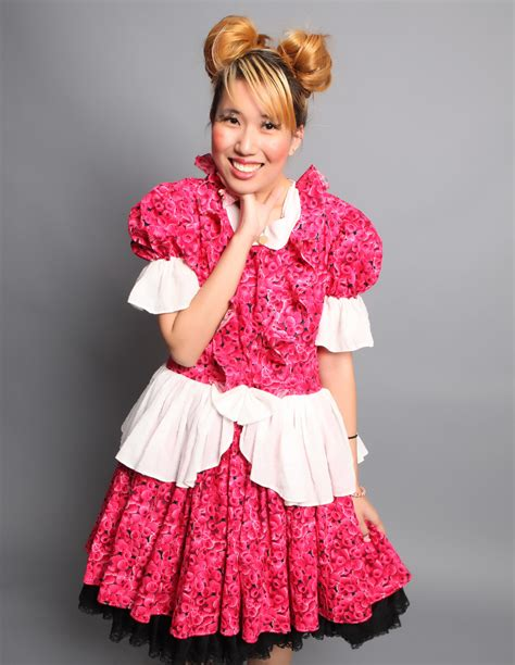 whos the fashion designer in the cadillac commercial sweet lolita infoアウロリ ero