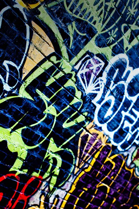 graffiti wallpaper hd iphone freeios7 graffiti world parallax hd iphone ipad wallpaper