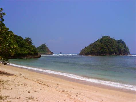 Di Malang indahnya pantai di malang jawa timur trip jalan jalan