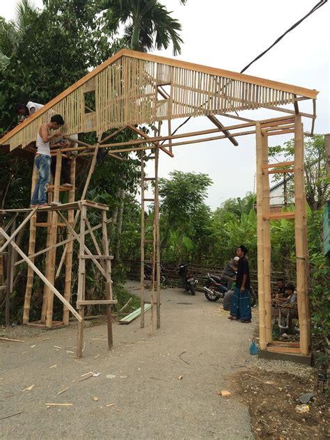 desain gapura dari bambu pembangunan gapura gong seukeum kelompok p233 kkn