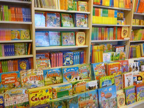 imagenes de librerias escolares la mejor librer 237 a para ni 241 os de roma la casa de tomasa