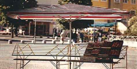 banchi per mercato bemm bemm ombrelloni e banchi mercato