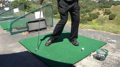 golf swing footwork how the golf swing foot work helps turn the hips to the
