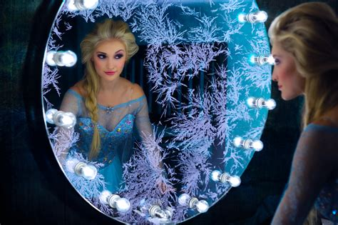 frozen film real life frozen s real life elsa arrives at thechive meet anna