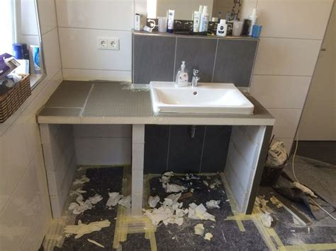 Badezimmer Arbeitsplatte Material by Toom Kreativwerkstatt Waschtisch Mit Fliesen