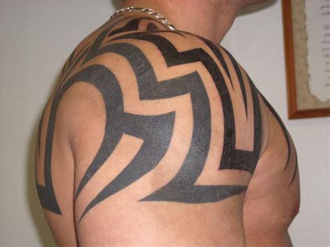 tattoo tribal hombro tatuajes de un tribal grande o peque 241 o 150 ejemplos
