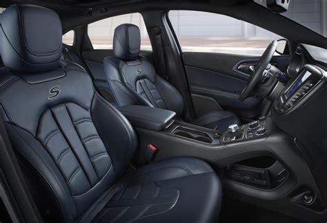 chrysler car interior 2015 chrysler 200 gains ambassador blue and mocha leather
