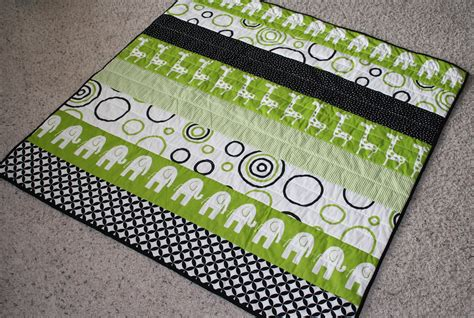 Easy Baby Quilt Pattern by 10 Easy Baby Quilt Patterns That Stitch Up