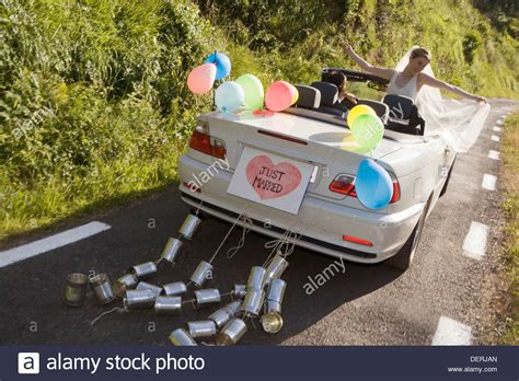 Just Married Auto by Just Married Convertible Car With Tin Cans Gipuzkoa