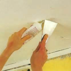 coller de la toile de verre au plafond maisonbrico