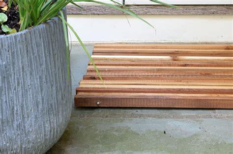 Wood Doormat by How To Make A Wood Slat Doormat How Tos Diy