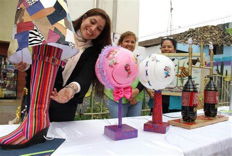 productos elaborados con reciclaje internas de penal de mujeres exponen productos hechos con