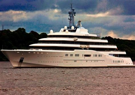 yacht yearly cost russian billionaires roman abramovich and andrei