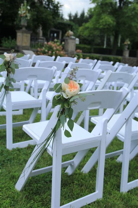 gorgeous simple decoration for a garden chair at an