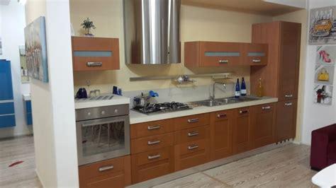 cucine in ciliegio offerta artre cucina quadra moderna legno ciliegio