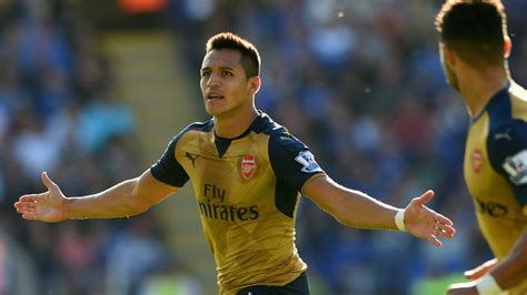 alexis sanchez english interview alexis s 225 nchez makes history in the epl is super chill