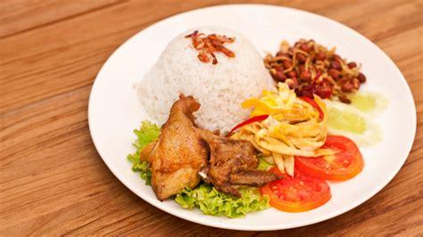 cara membuat nasi uduk khas jakarta resep membuat nasi uduk komplit khas betawi resep makan