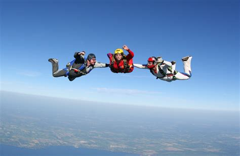 free falling progressive freefall program pff skydive toronto