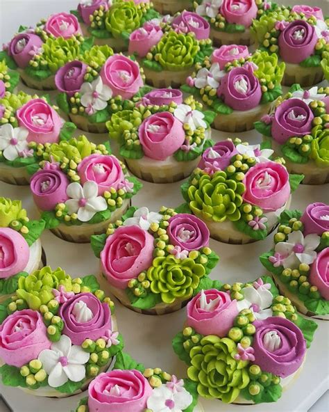flower design cupcakes 1048 best images about cakes cupcakes on pinterest owl