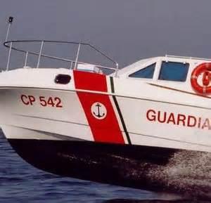 guardia costiera porto torres porto torres guardia costiera mette in salvo sei persone