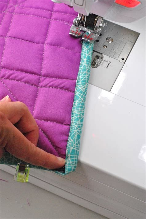 Sewing Binding On A Quilt by Machine Binding A Quilt How To Sew A Quilt Binding On A