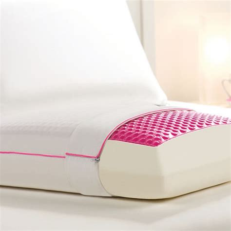 comfort revolution hydraluxe pillow hydraluxe always cool gel pillow by comfort revolution