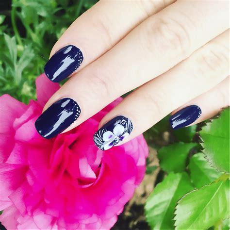 fiore sulle unghie nail con fiore il trucco per realizzarlo in modo