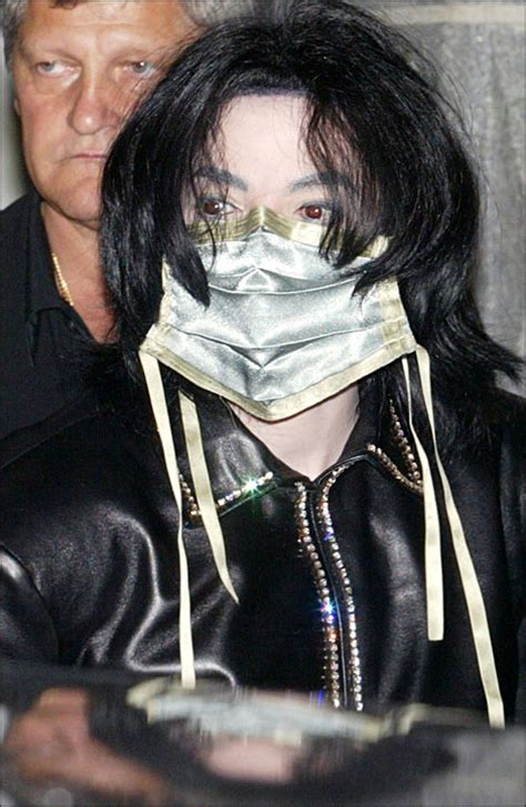 exclusive bodyguards detail michael jacksons last 2 bodyguard caught cashing in on michael jackson s death video