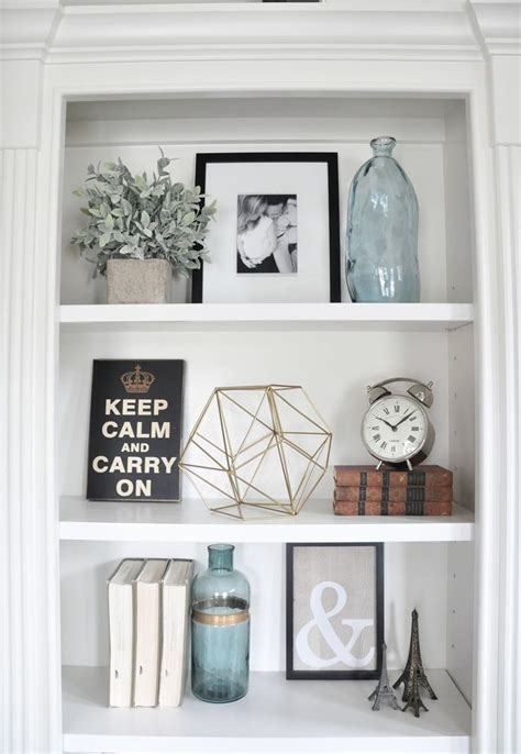 shelf decor ideas best 25 decorating a bookcase ideas on