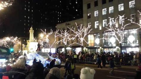 best hotel for chicago lights festival chicago lights parade decoratingspecial com