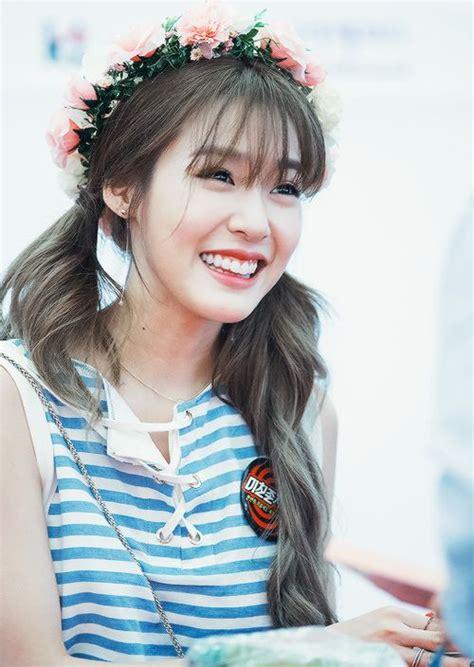 kpop hairstyles bangs tiffany hwang s see through bangs hairstyles pinterest