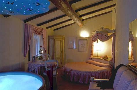 suite con vasca idromassaggio in toscana offerta san valentino 2015 toscana suite idromassaggio