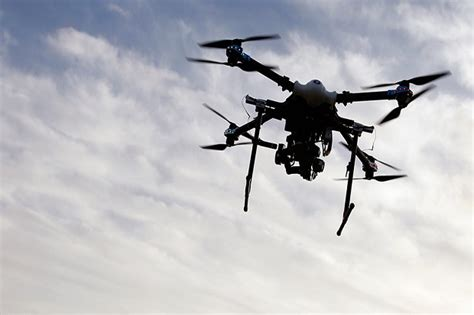 Drone Kapal drone iran intai kapal induk amerika di teluk