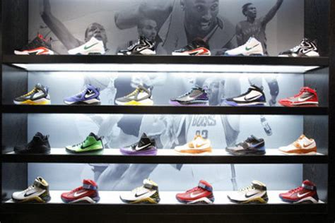 house of hoops basketball shoes foot locker q1 sprints past street on demand for running shoes news business 174849
