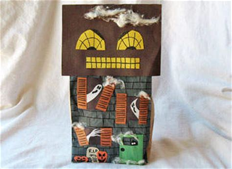 paper bag haunted house pattern perfect picture book friday i m not afraid of this haunted