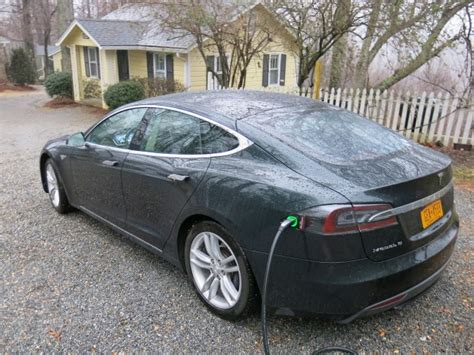 new electric car tesla tesla model s battery how much range loss for