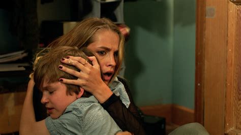 teresa palmer sister lights out scares up a few surprises the seattle times