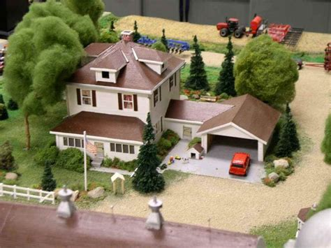 house diorama http www toytractortimes com tttsubscribe downapr04 htm
