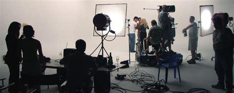 what school is the eliquis commercial filmed at comment travailler dans l audiovisuel et le multim 233 dia