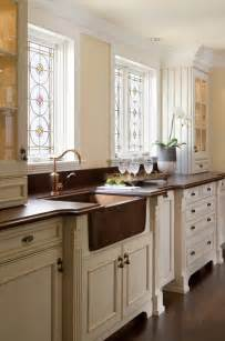 Kitchen Cabinets With Sink by 10 Fabulous Kitchens With Farmhouse Sinks Trails