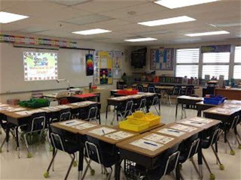 student desk arrangements best 25 classroom desk arrangement ideas on