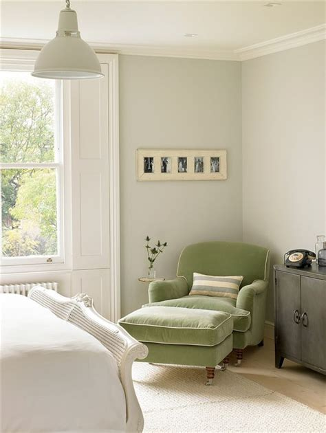 25 best ideas about bedroom reading chair on