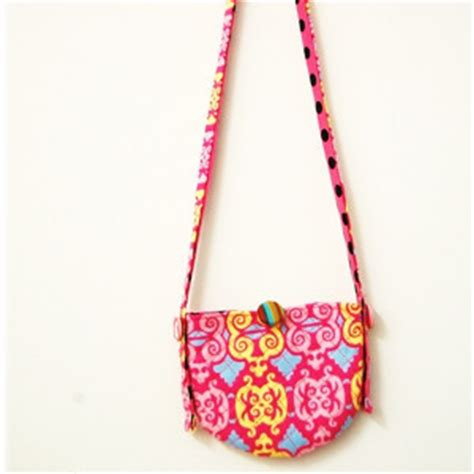 Simple Sling Bag Zigzag simple sling pouch allfreesewing