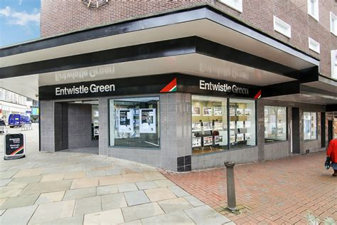Mr Green Estate Agentshow Do You Buy The Right Front Door | entwistle green estate agents in bolton bl1 1bg 192 com